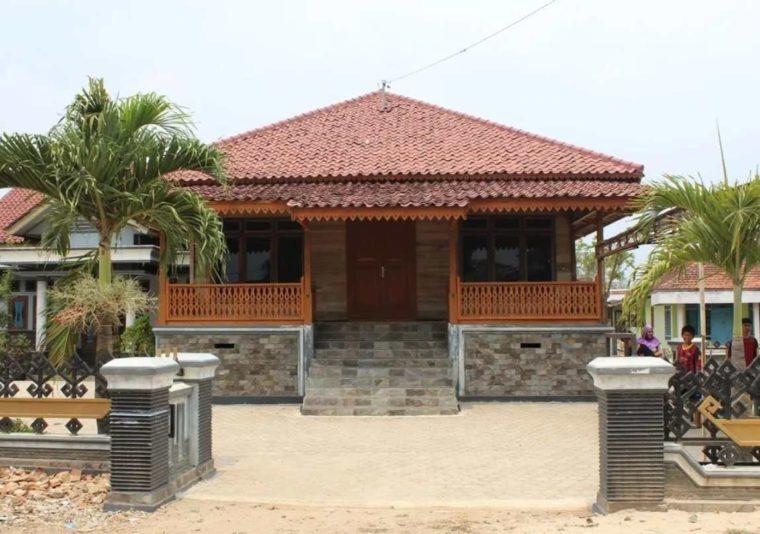 Rumah Adat Lampung Lamban Balak