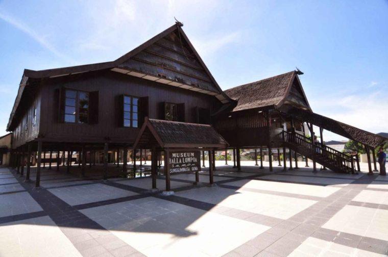 Rumah Adat Sulawesi Selatan Suku Makassar