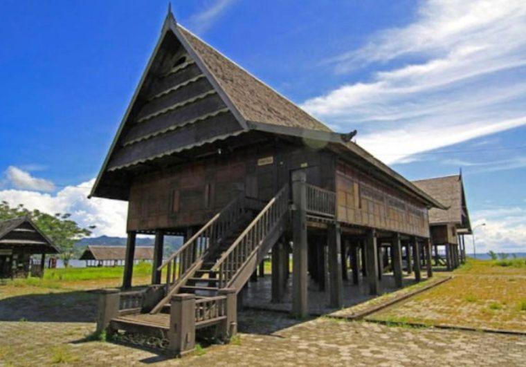 Rumah Adat Sulawesi Selatan Suku Mandar