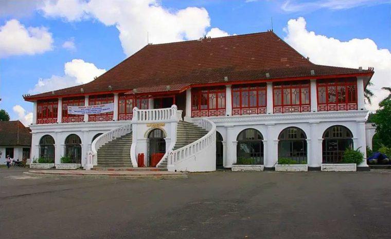 Rumah Adat Sumatera Selatan Cara Gudang