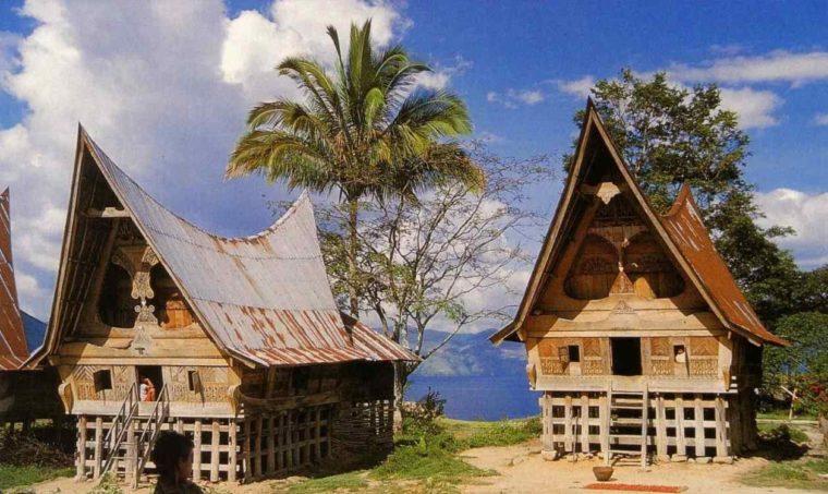 Rumah Adat Sumatera Utara Balai Batak Toba