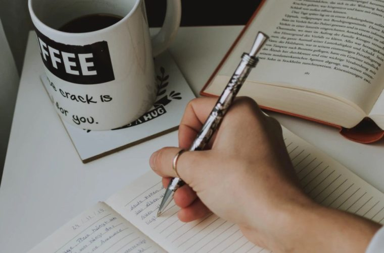 Sistematika Penulisan Karya Tulis Ilmiah