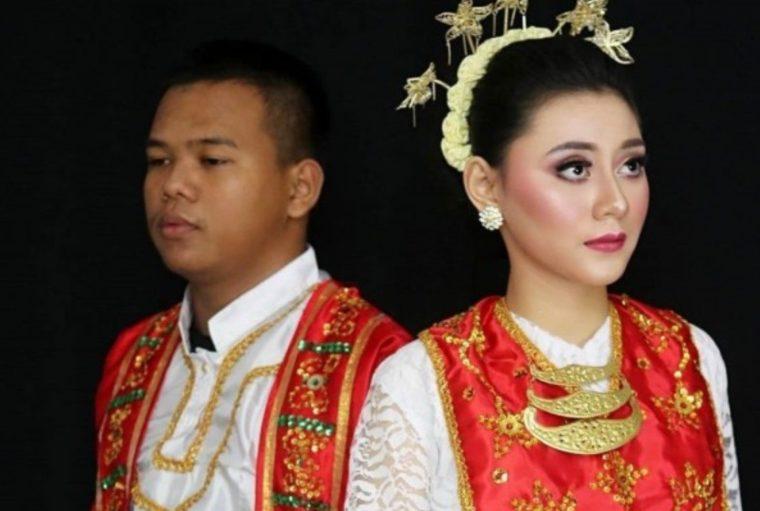 Baju Adat Cele Wanita Maluku