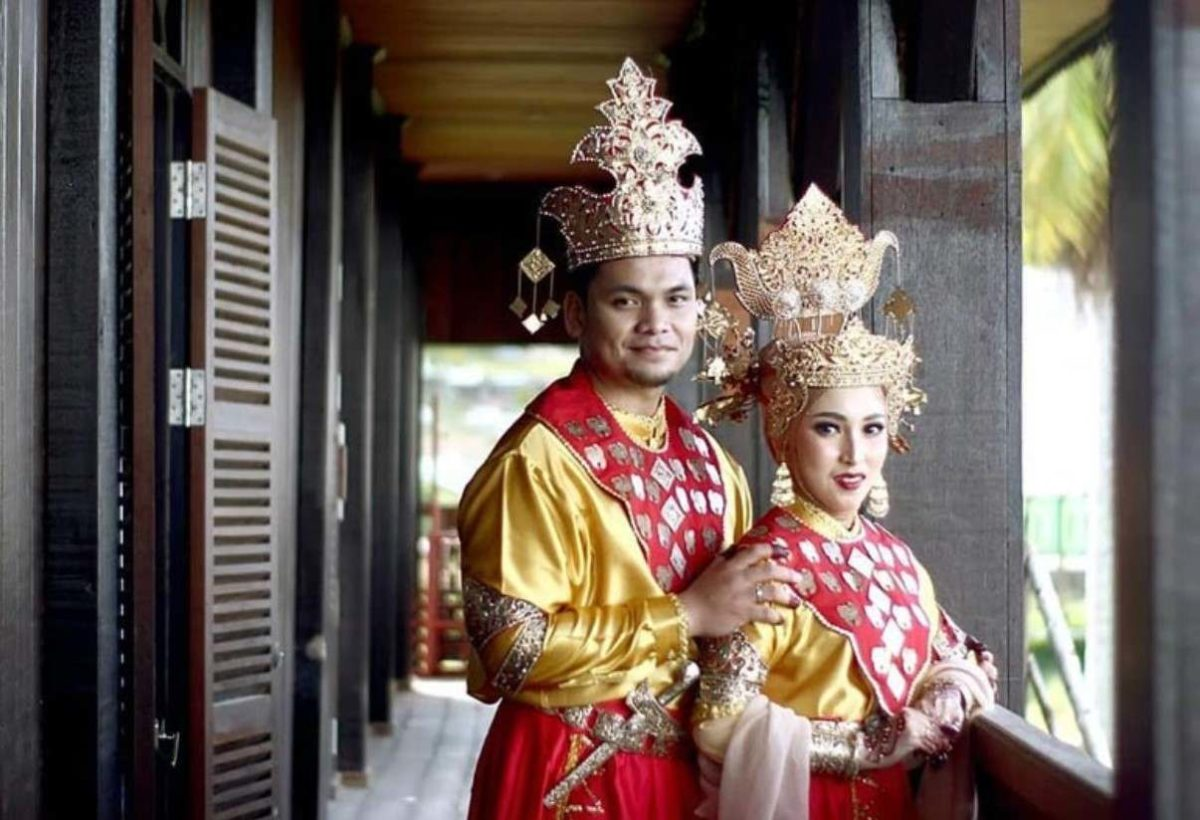 Gambar Thumbnail Pakaian Adat Kalimantan Utara