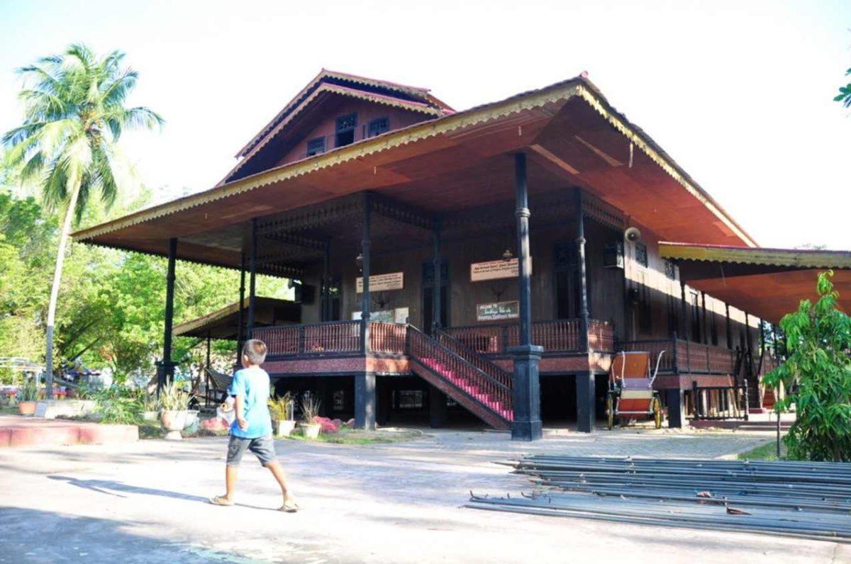 Gambar Thumbnail Rumah Adat Gorontalo