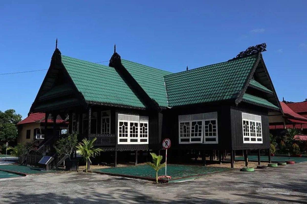 Gambar Thumbnail Rumah Adat Kalimantan Utara