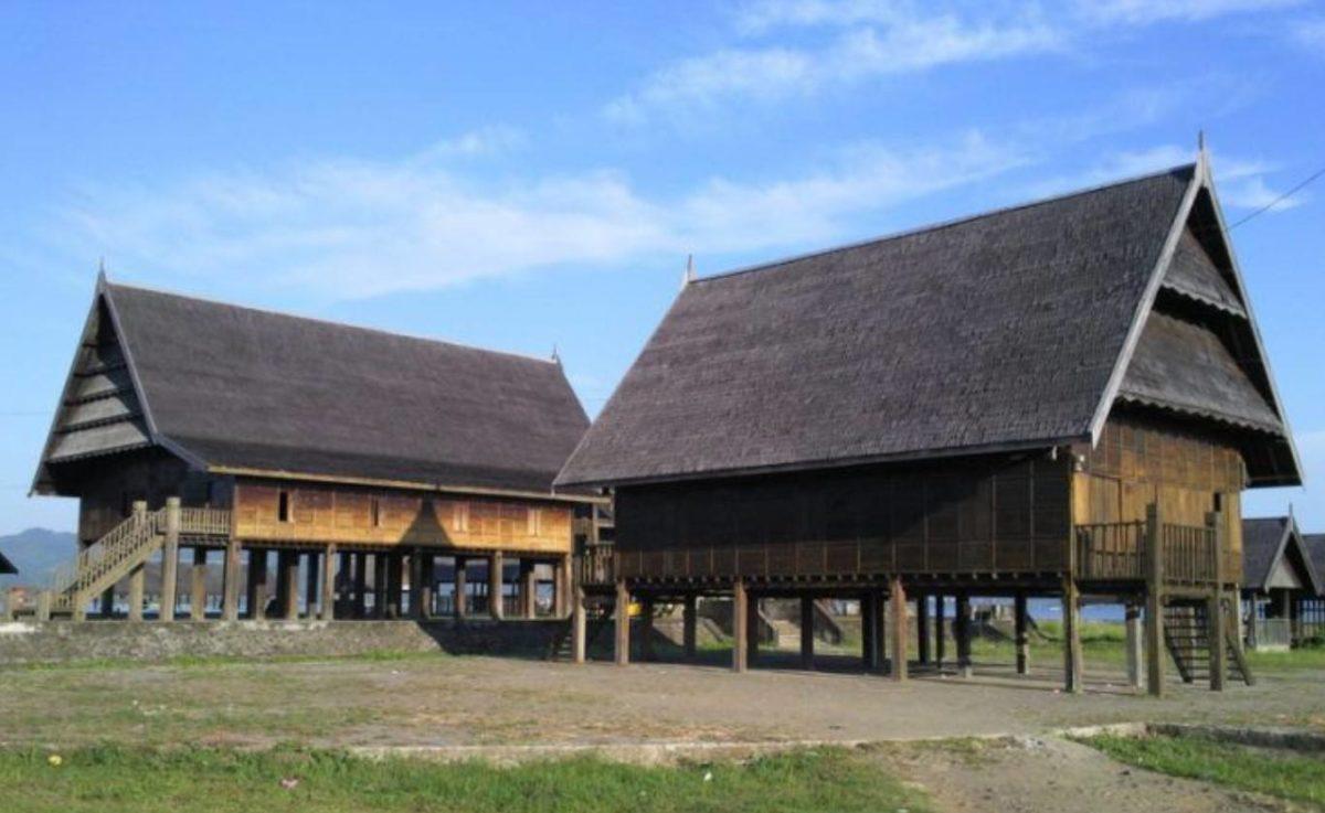 Gambar Thumbnail Rumah Adat Sulawesi Barat