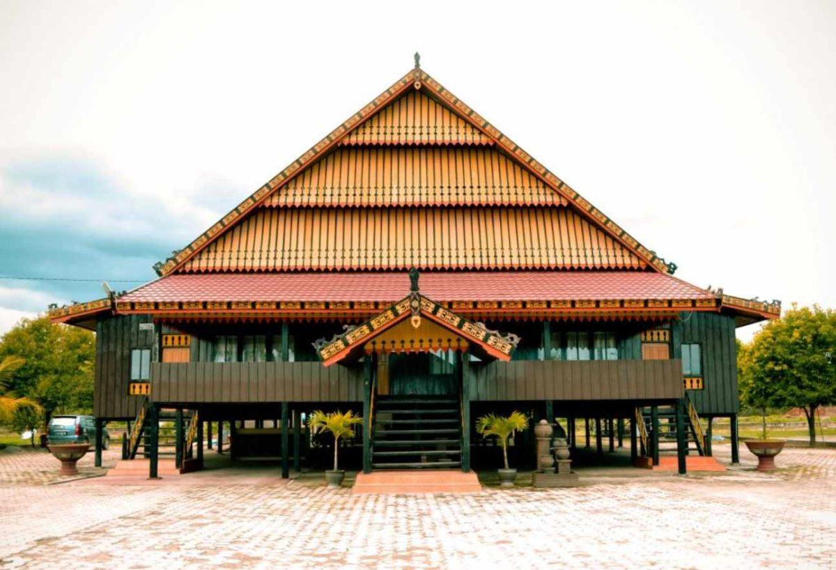 Gambar Thumbnail Rumah Adat Sulawesi Tenggara