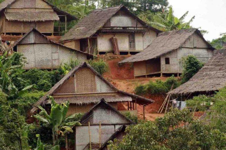 Konsep Bangunan Rumah Adat Sulah Nyanda