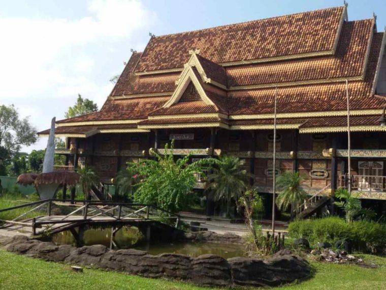 Kontruksi Rumah Kajang Leko