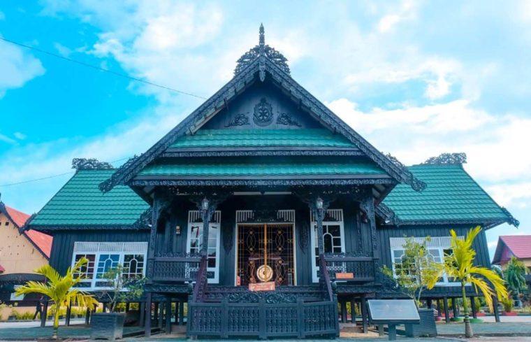 Mengenal Rumah Adat Baloy Mayo
