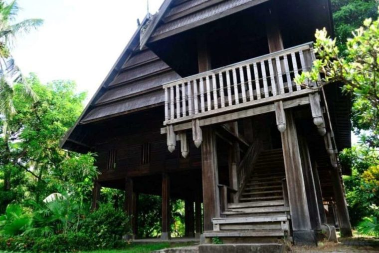 Mengenal Rumah Adat Sulawesi Barat