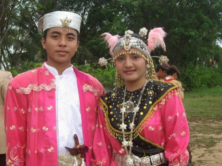 Pakaian Adat Maluku Baju Koja
