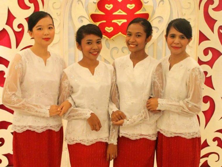 Pakaian Adat Maluku Kebaya Dewasa