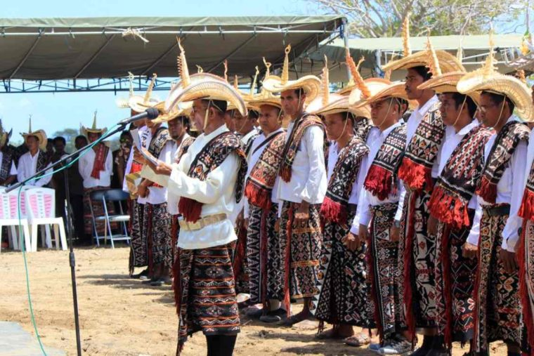 Pakaian Adat NTT Ti'i Langga