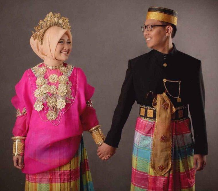 Pakaian Adat Pengantin Sulawesi Selatan