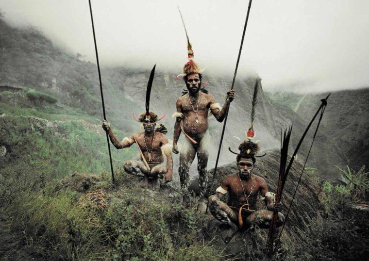 Pakaian Adat Suku Holim