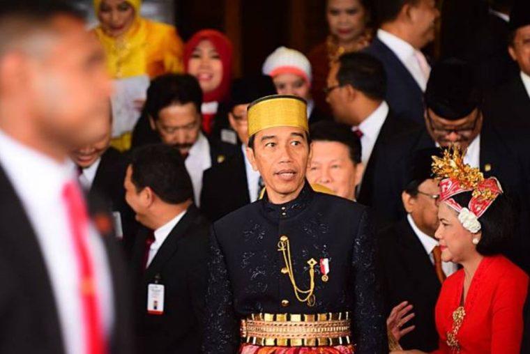 Pakaian Adat Sulawesi Selatan Baju Tutu