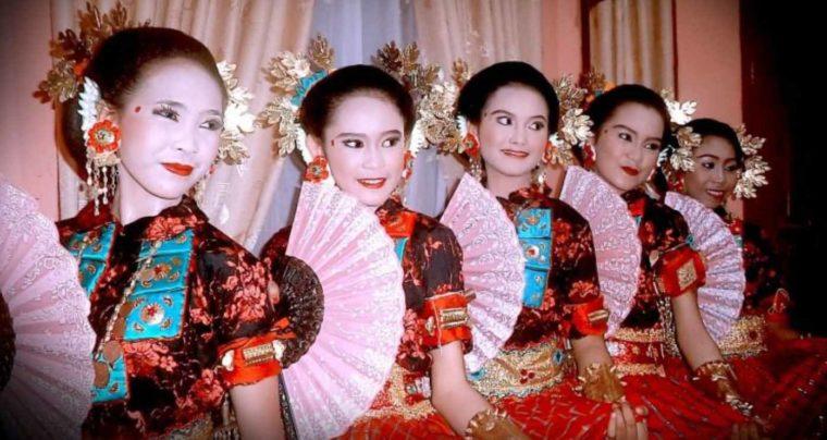 Pakaian Adat Sulawesi Selatan Pattuqduq Towaine