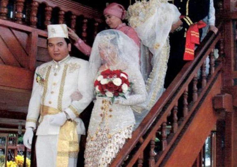 Pakaian Adat Sulawesi Utara Kohongian