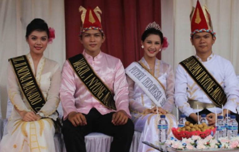 Pakaian Adat Sulawesi Utara Minahasa