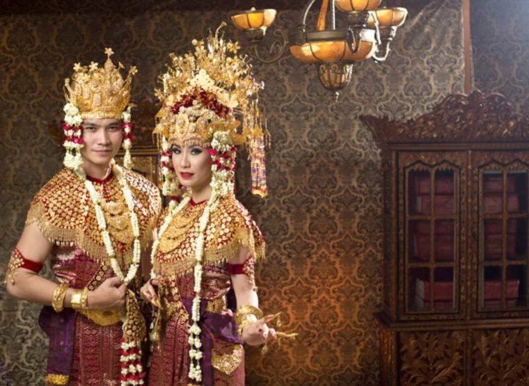 Pakaian Adat Sumatera Selatan Aesan Gede