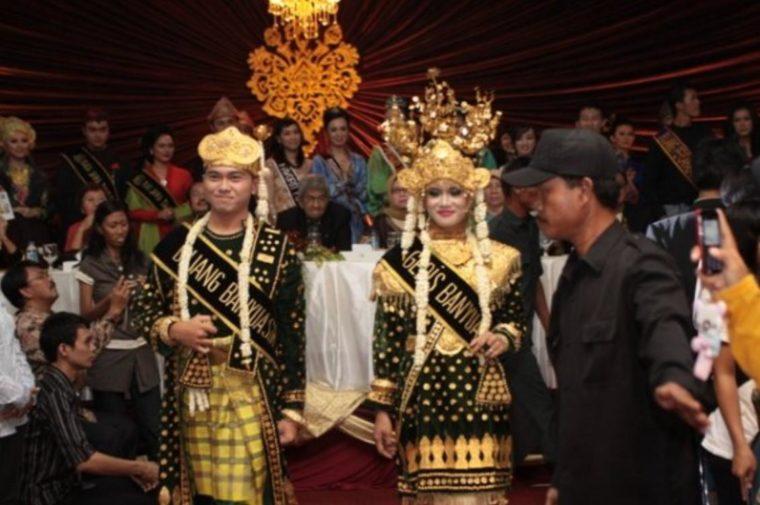 Pakaian Adat Sumatera Selatan Banyuasin