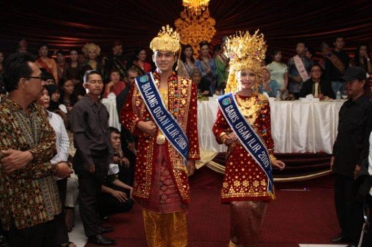 Pakaian Adat Sumatera Selatan Kabupaten Ogan Ilir