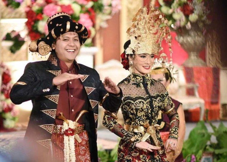 Pakaian Adat Sumatera Utara Suku Mandailing