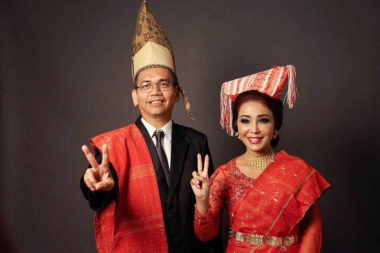 Pakaian Adat Sumatera Utara Suku Nias