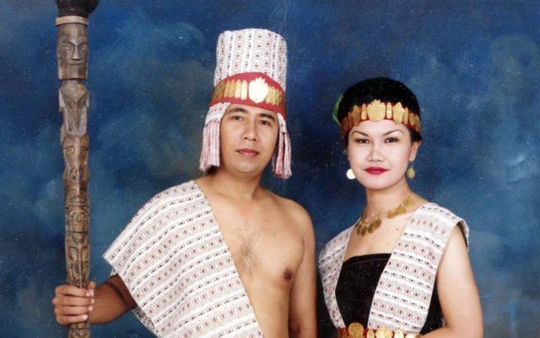 Pakaian Adat Sumatera Utara Suku Samosir