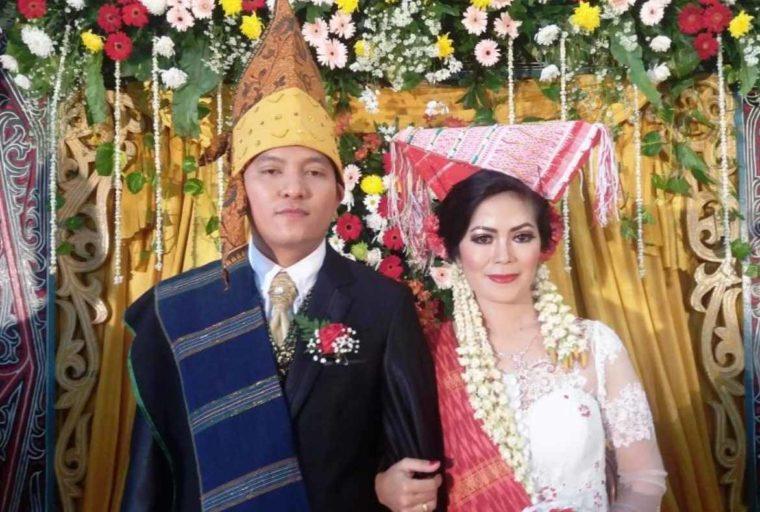 Pakaian Adat Sumatera Utara Suku Simalungun