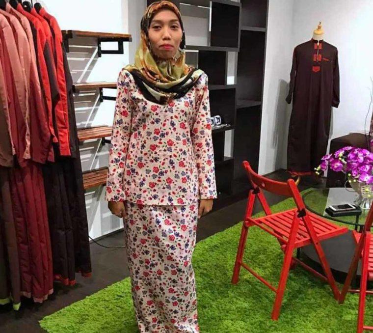 Pakaian Adat Wanita Baju Kurung