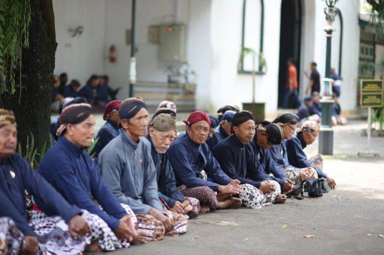Pakaian Adat Yogyakarta Langeran