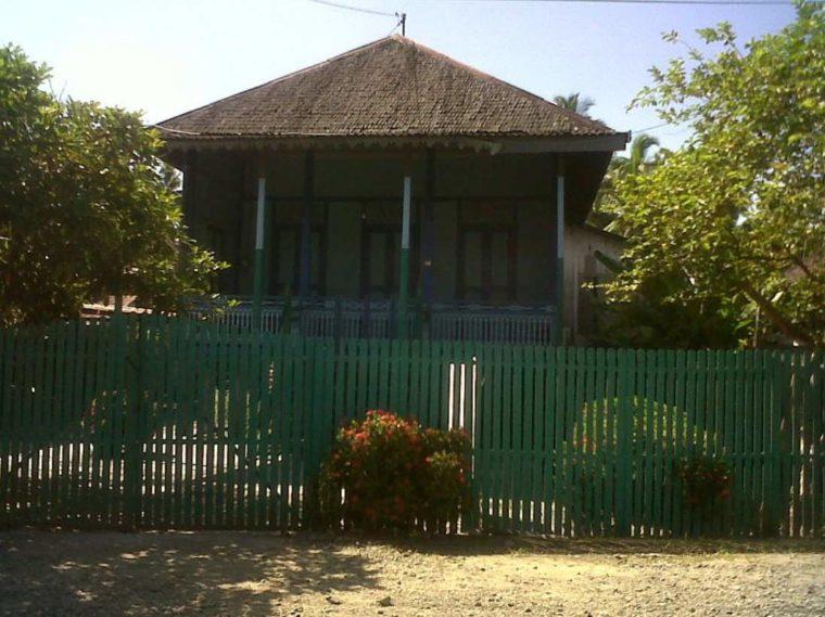 Rumah Adat Kalimantan Selatan Balai Bini