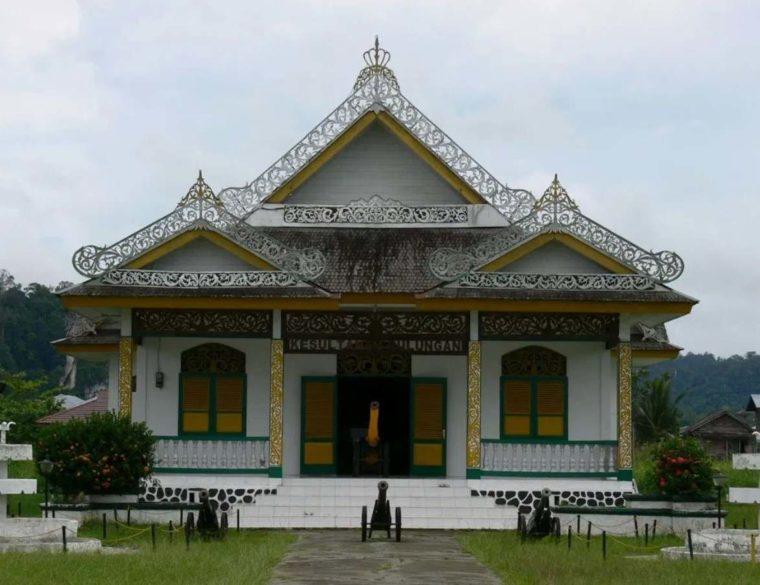 Rumah Adat Kalimantan Timur Bulungan