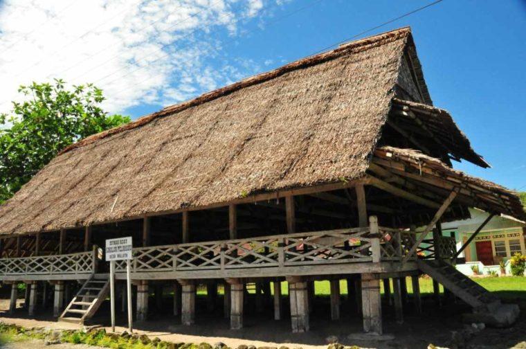 Rumah Adat Kalimantan Timur Paser