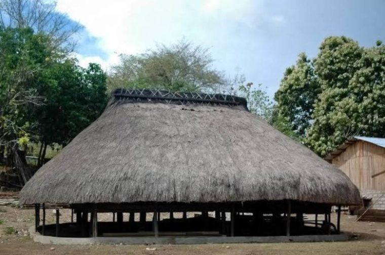 Rumah Adat NTT Sao Ata Mosa Lakitana