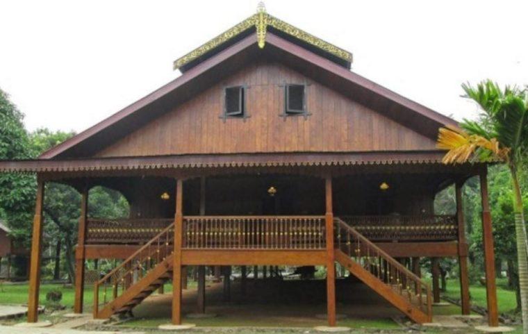 Rumah Adat Sulawesi Tengah Souraja