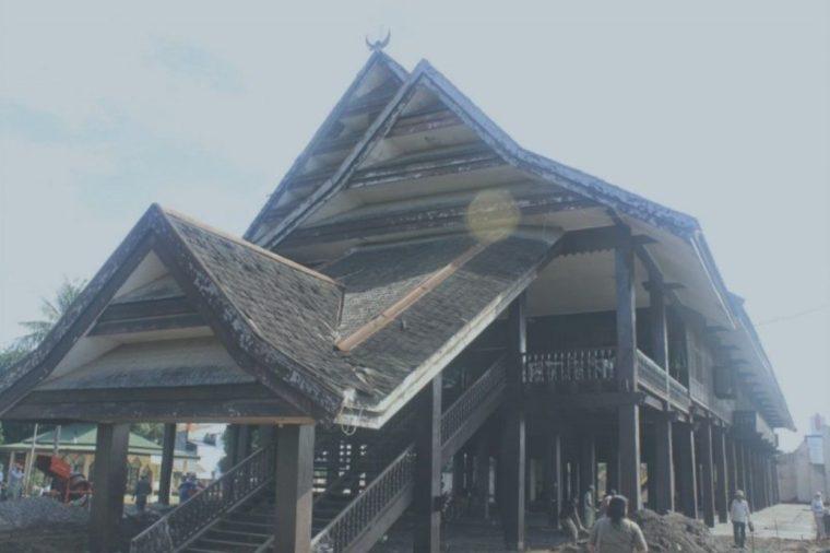 Rumah Adat Sulawesi Tenggara Laikas