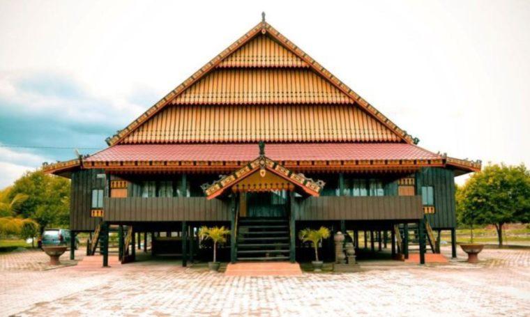 Rumah Adat Sulawesi Tenggara Mengkongga