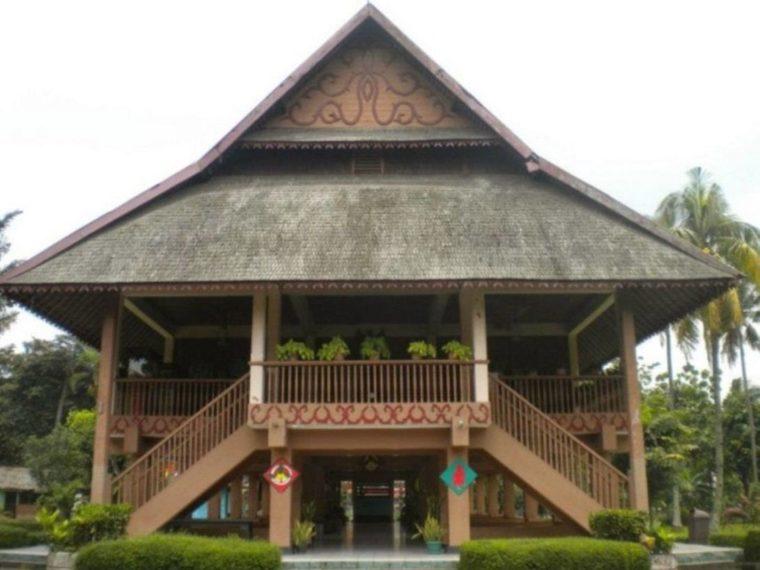 Rumah Adat Sulawesi Utara Bolaang Mongondow