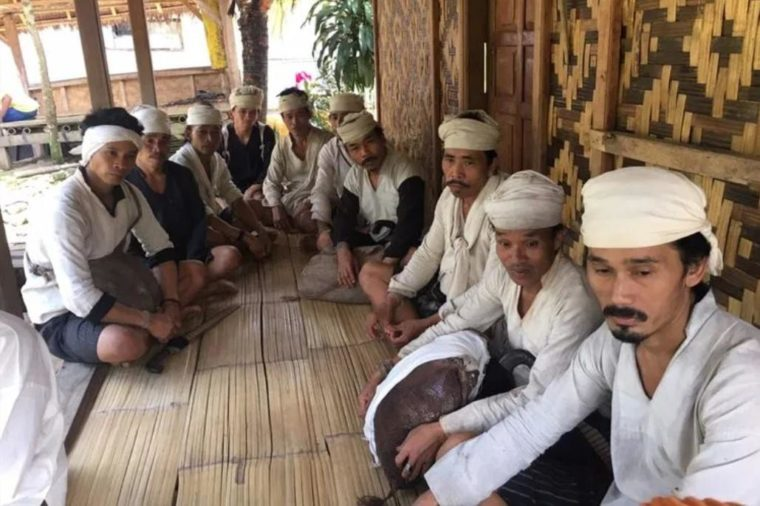 Pakaian Adat Banten Suku Baduy Dalam