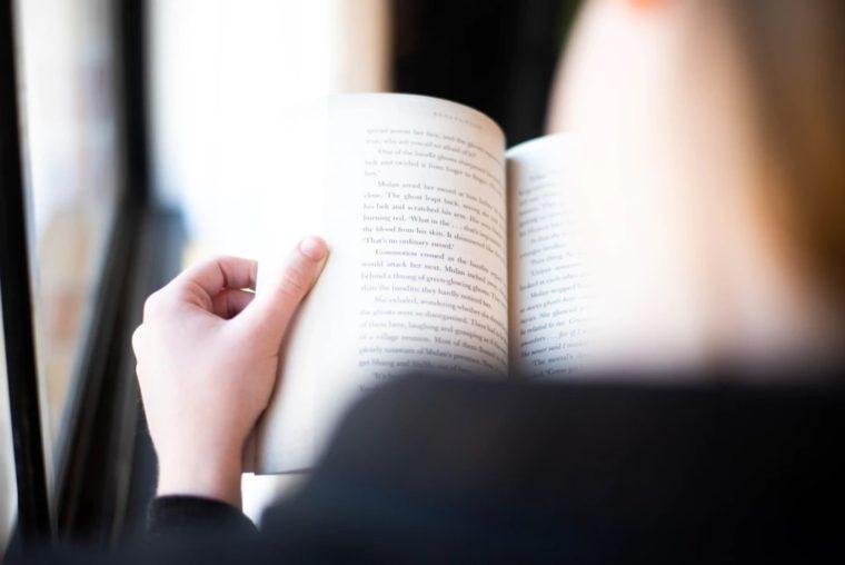 Literatur Menurut Tingkat Analisisnya