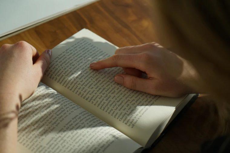 Manfaat Literatur