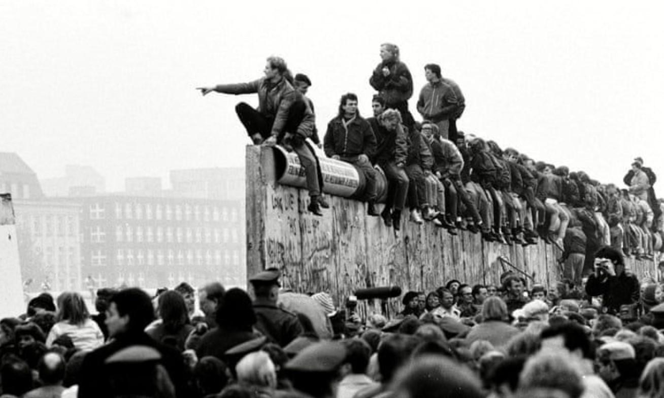 Gambar Thumbnail Perpecahan Cekoslovakia