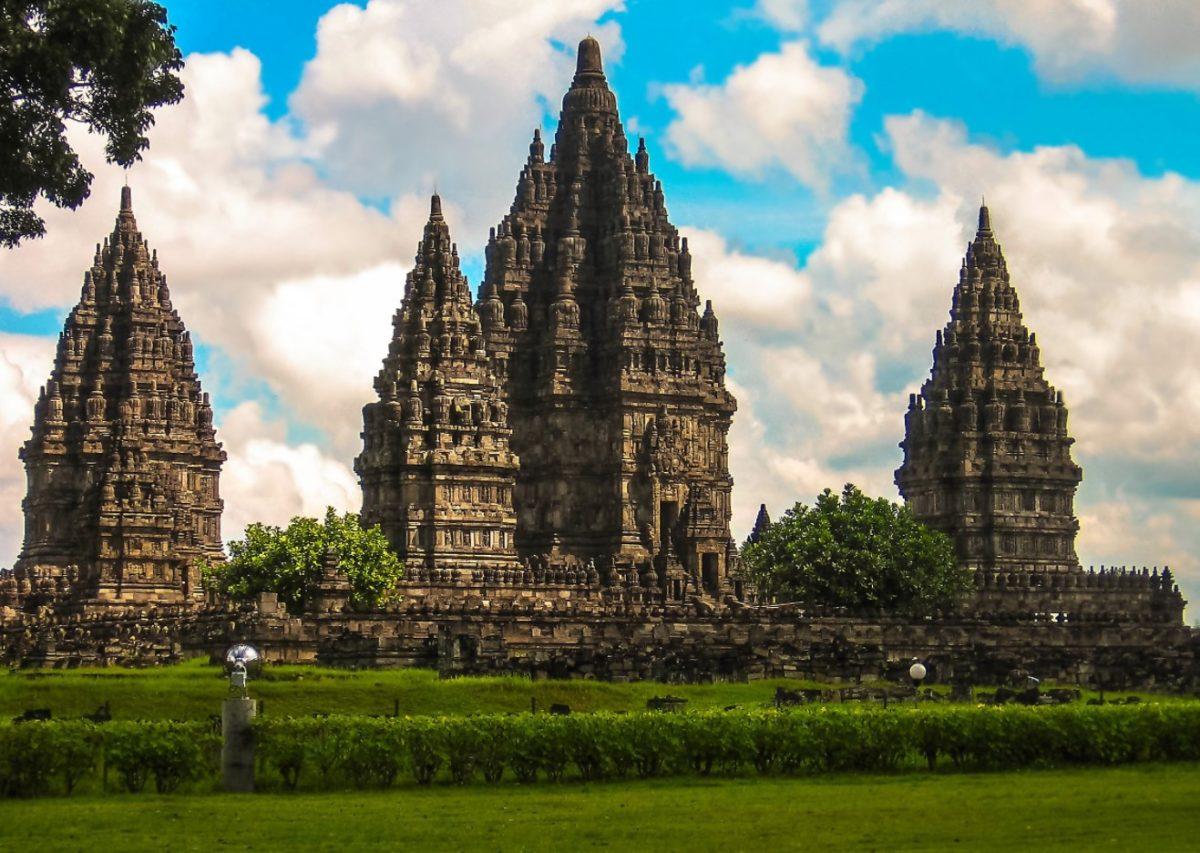 Gambar Thumbnail Kerajaan Hindu Budha di Indonesia